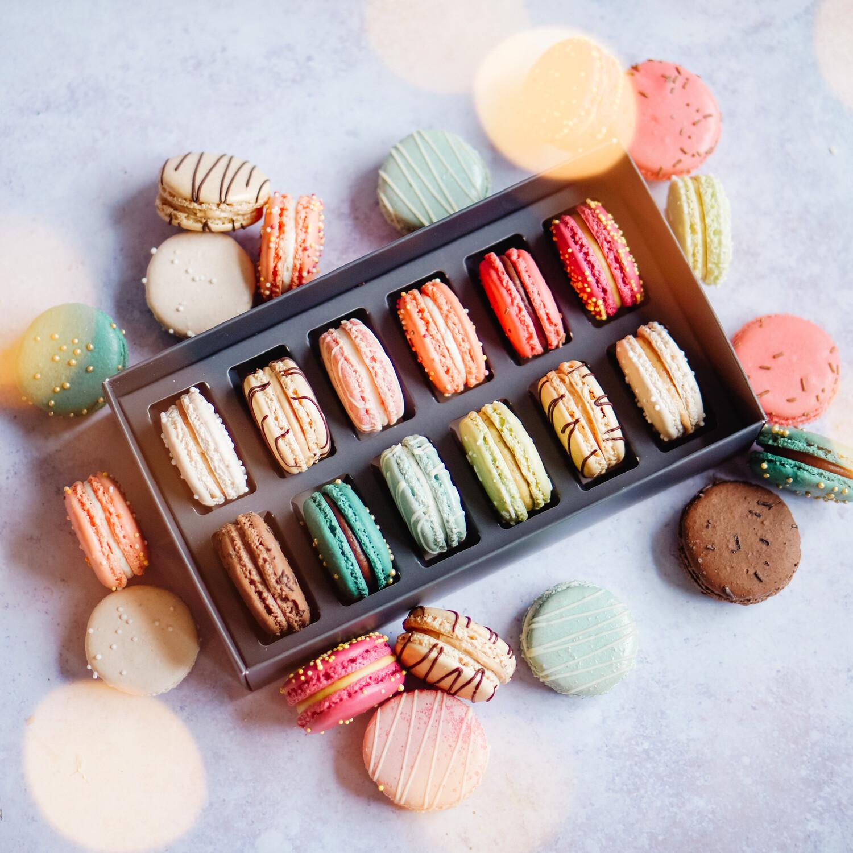 Christmas Dozen Macaron Box