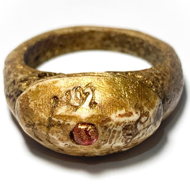 Hwaen Graduk Chang Early Era Carved Bone Ring Gemstone Insert Hand Inscriptions Luang Por Pina Free EMS Worldwide