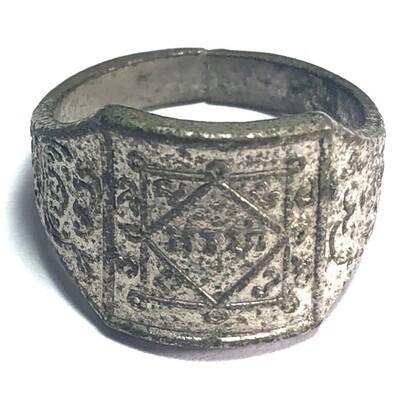 Hwaen Yant Arahang Nuea Galai Ngern Silver Coated Arahant Yantra Ring Luang Por Klaew Wat Wang Hin