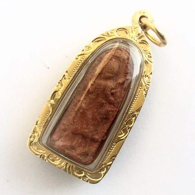 Pra Sivali - Walking Buddha Amulet Solid Gold Casing - Nuea Din Pim Lek (Niyom) - Luang Por Guay Wat Kositaram (2448 - 2522 BE)
