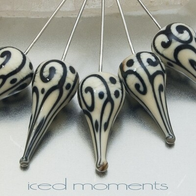 Helix teardrop in ivory and black