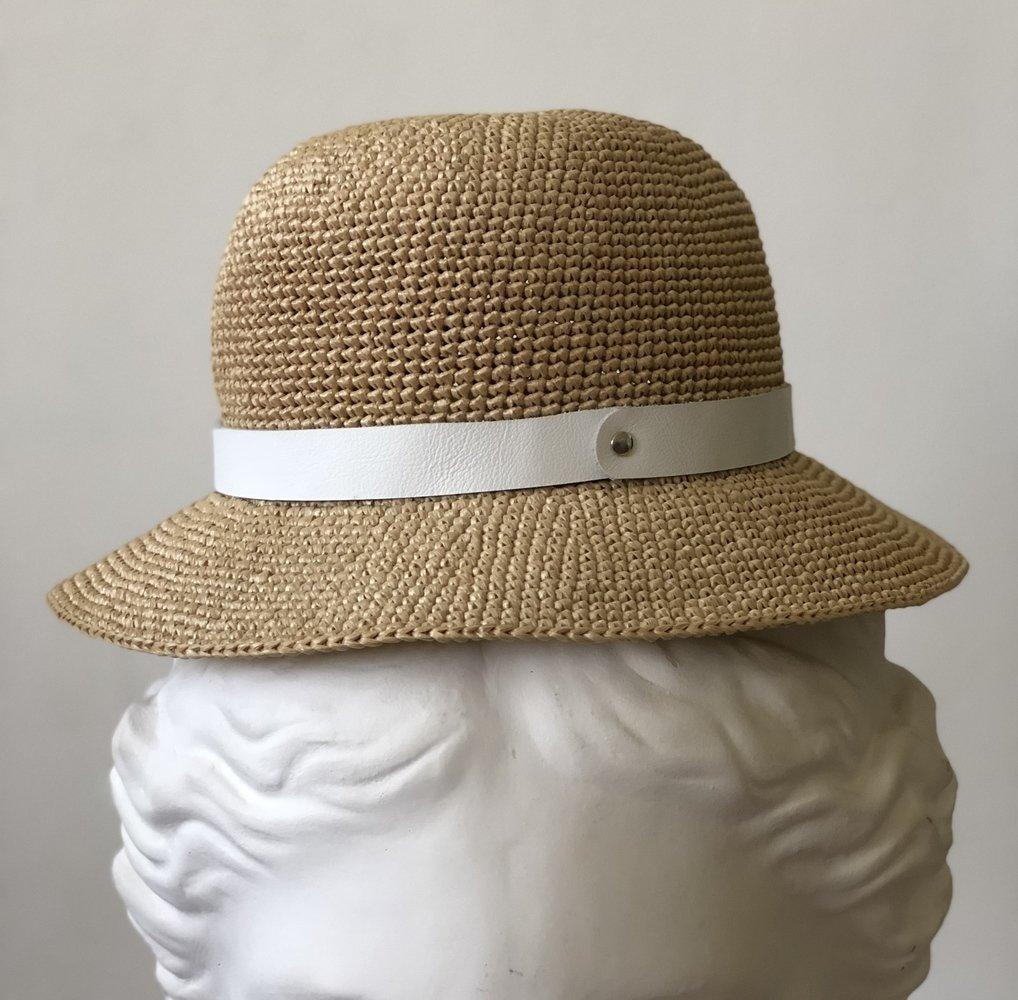 шляпная лента из кожи белая 04