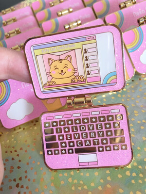 Neko-Neko Laptop Hinged Pin