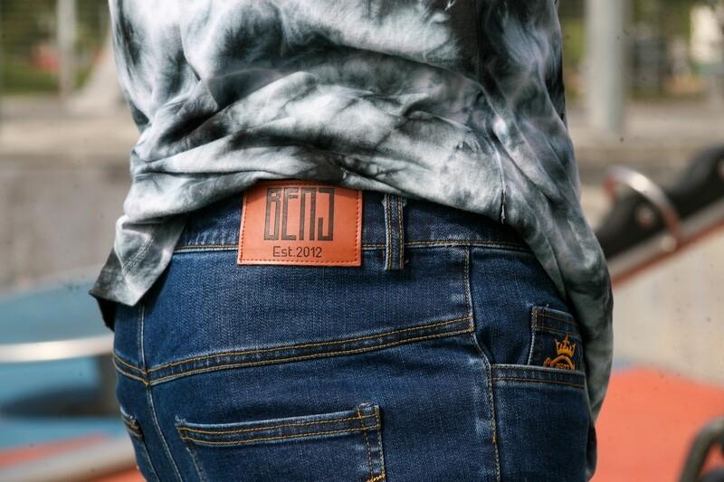 Mens  Jeans  /Slim fit casual denims Pants