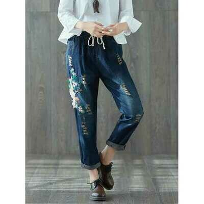 Vintage Hole Embroidery Jeans