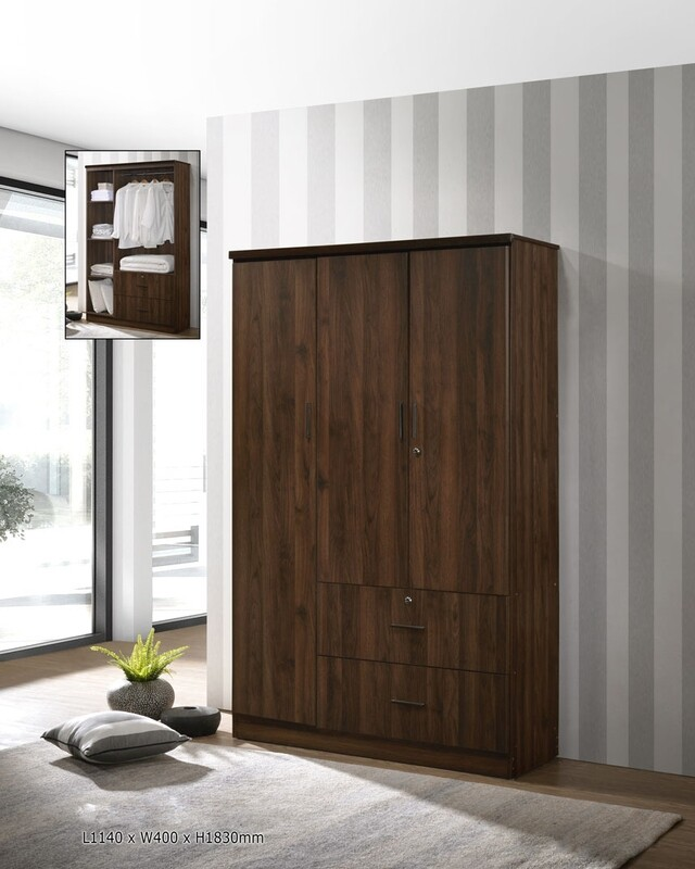 3 Door wardrobe with 2 Drawers