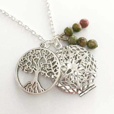 Tree Charm Diffuser Necklace