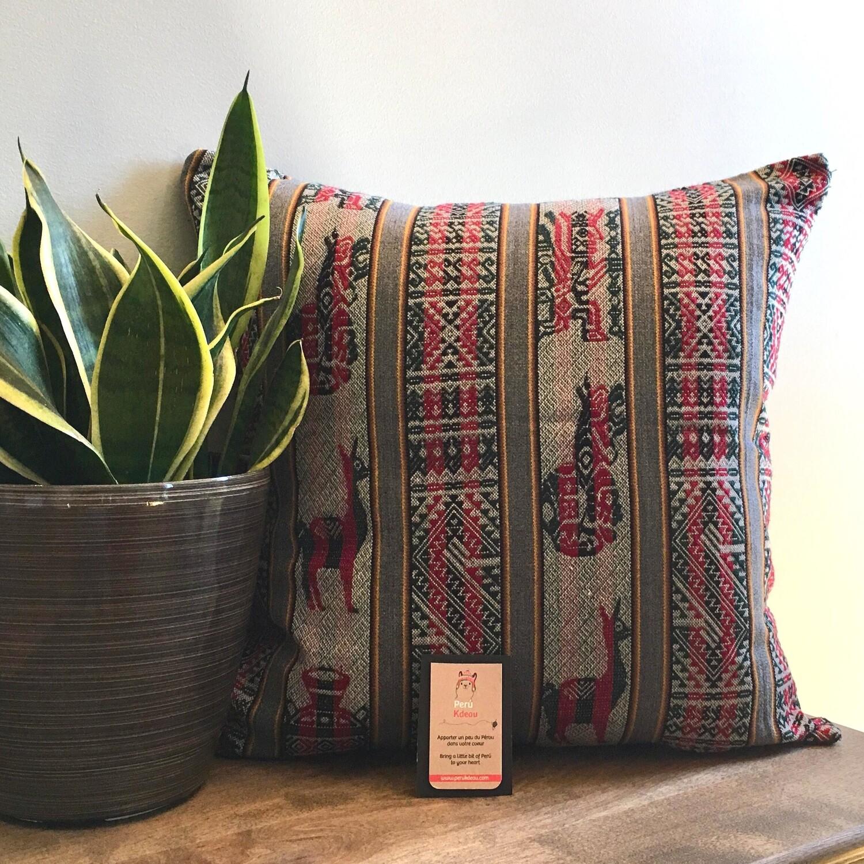 Housse de coussin péruvien faite à la main de couleur grise, décor bohème