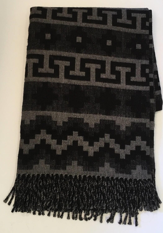 Couverture noire 100% bébé alpaga à motifs géométriques