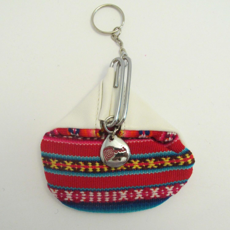 Porte-clés blanc avec porte-monnaie en tissu awayo (manta)