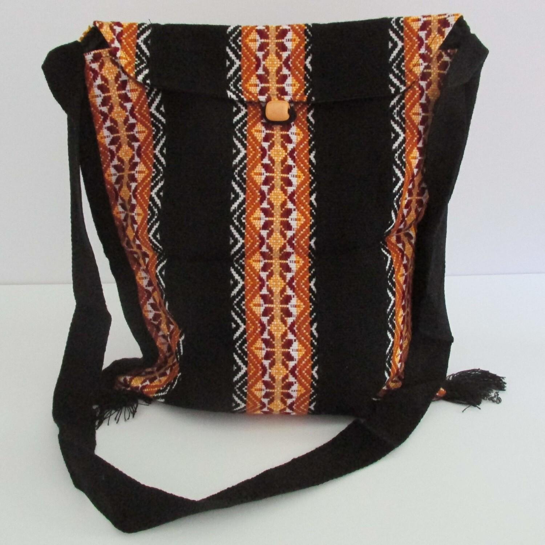 Sac à bandoulière noir avec motifs type Cusco en laine
