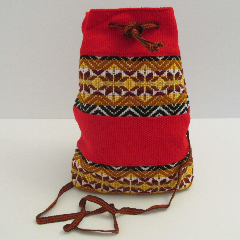 Mini-sac à bandoulière moyen rouge avec motifs
