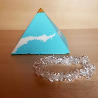 Pyramid Bath Bomb with Crystal Bracelet