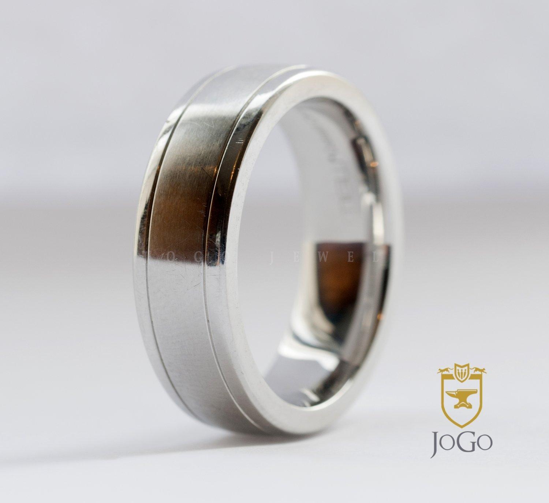 Brushed Wedding Ring in 18 K White Gold