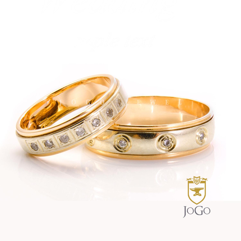 Two-Tone Wedding Ring Set in 18 K Yellow & White Gold