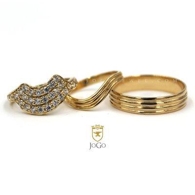 Engagement & Wedding Set in 18k Yellow Gold