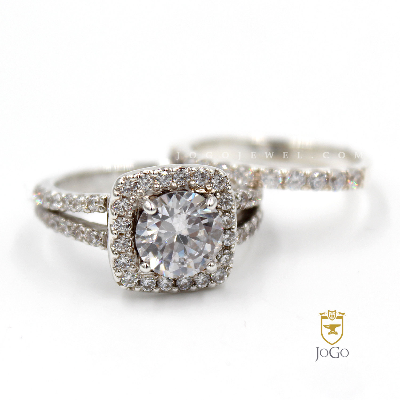 Split Shank Halo Engagement Ring & Band Set in 18 K White Gold