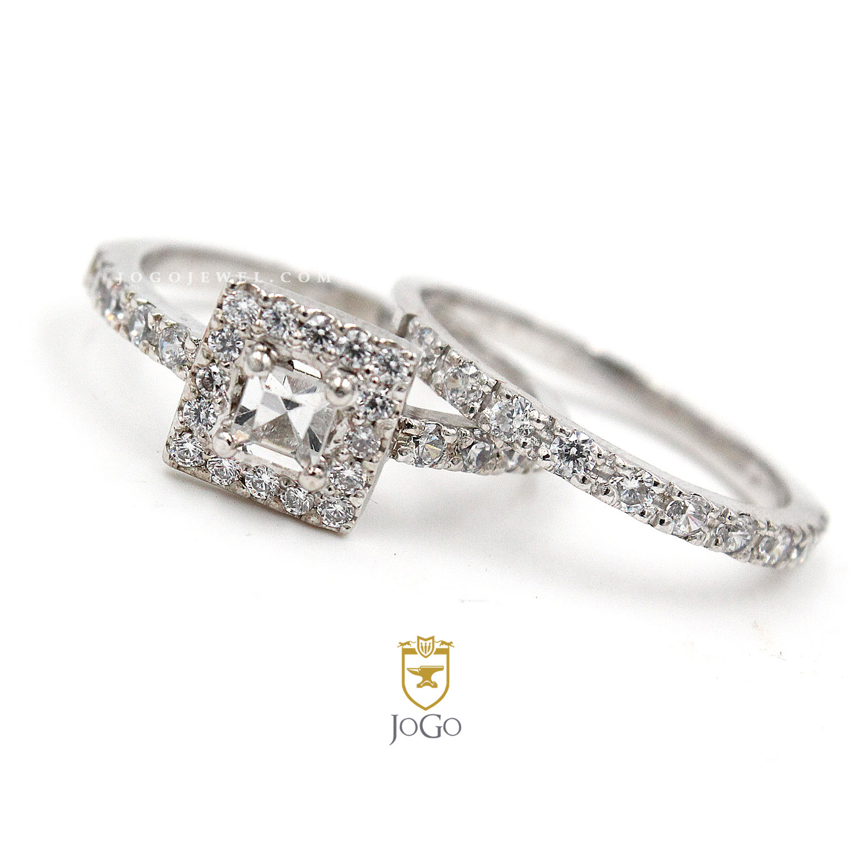 Princess Cut Halo Engagement Ring & Band Set in 18 K White Gold