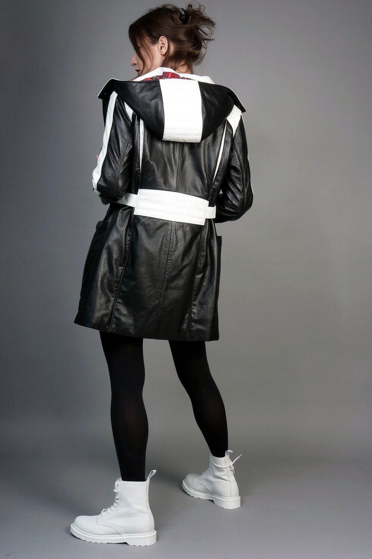 Jacket hood warmed black and white