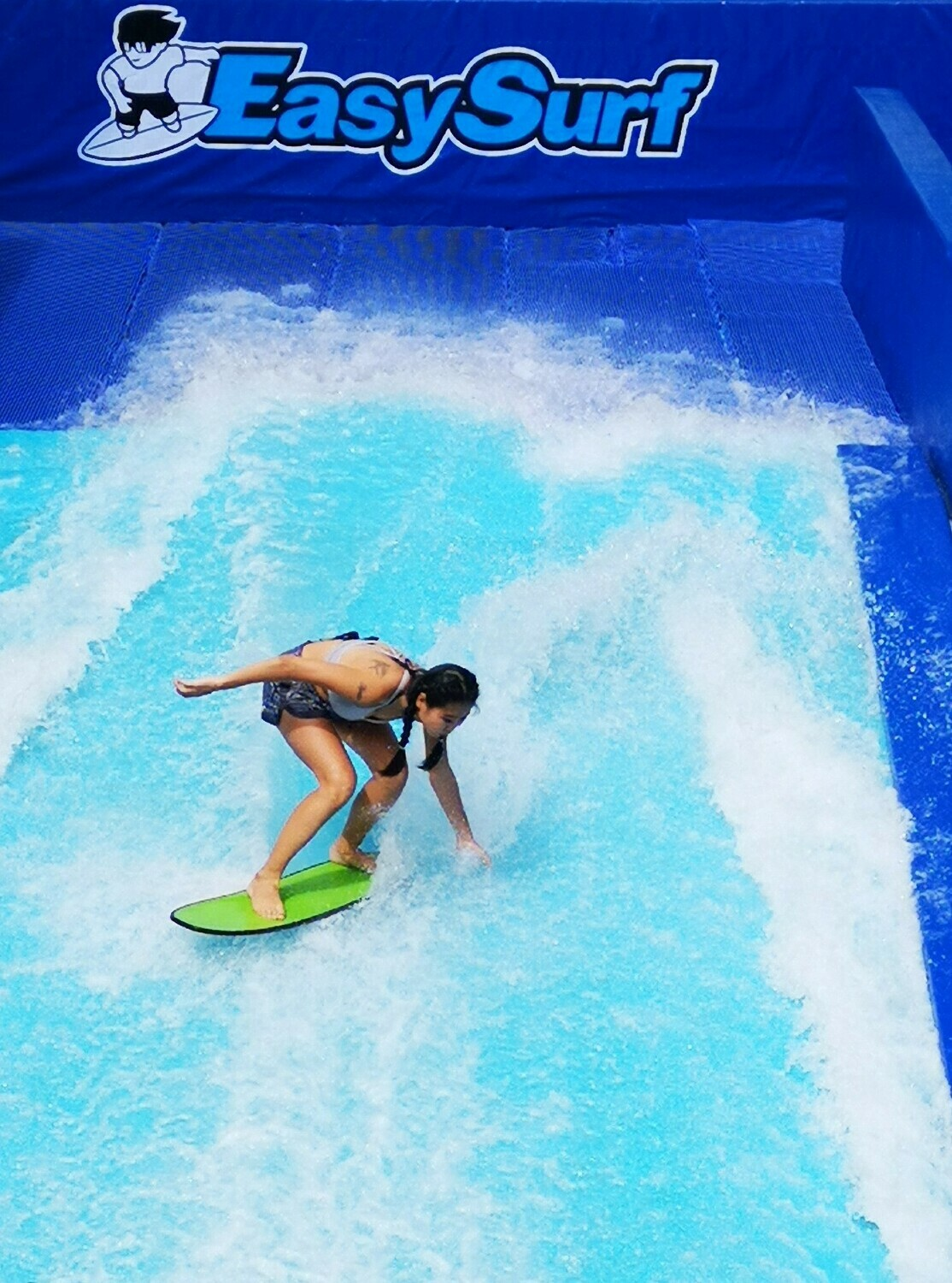FlowRiding - 4 Waves + 1 FREE T-Shirt (4 Hours for 1 Rider)