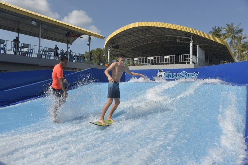 [Samui Students only] FlowRiding 3 waves + 2 FREE waves +FREE collector T-Shirt