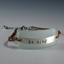 """""""Be Kind"""" Message Bracelet"""