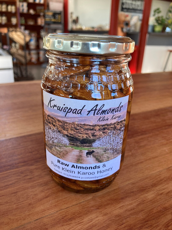 Almonds in Honey 500ml