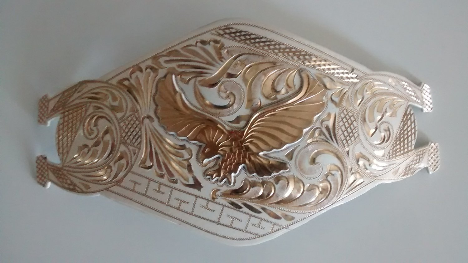 White Shoe Horse Ends w/Eagle Spread Wings Buckles