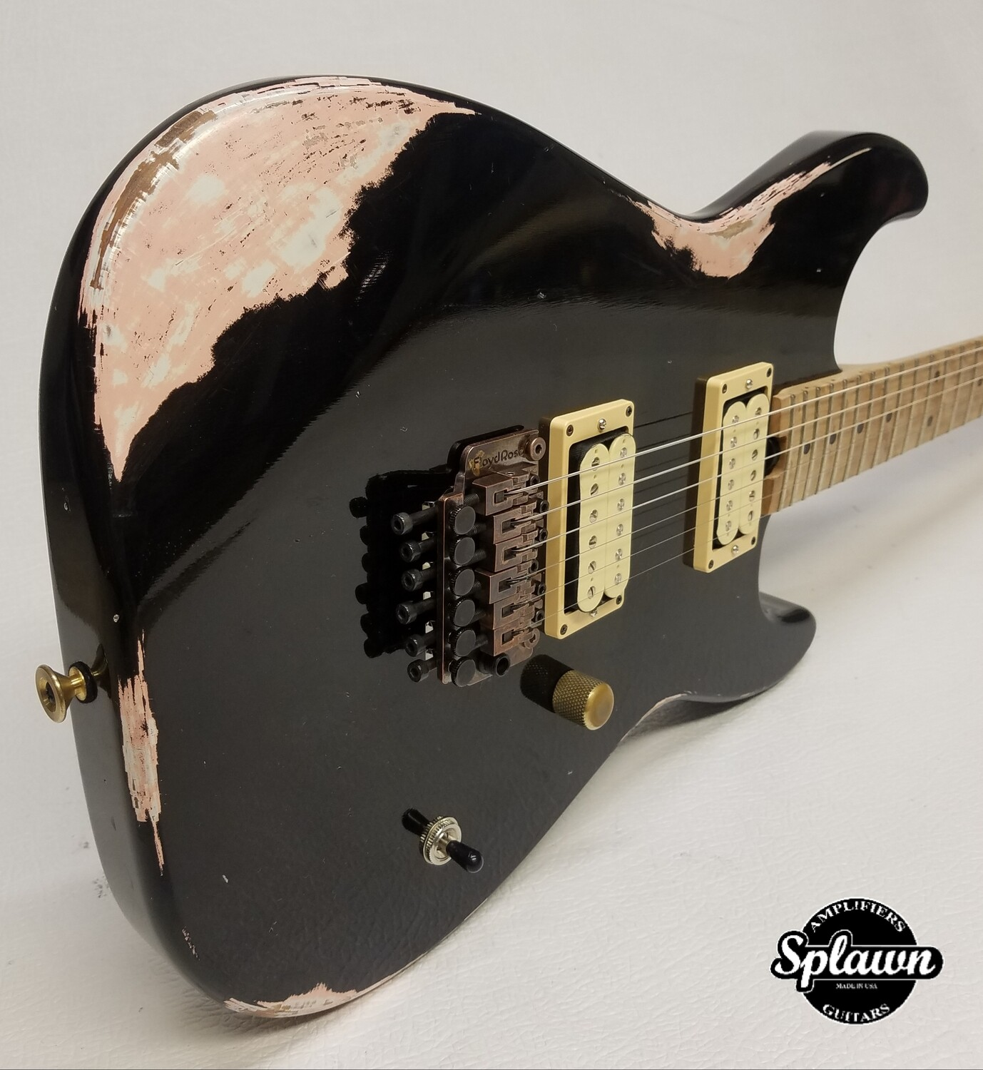 Splawn SS1 Guitar Nitro Relic Black over Shell Pink