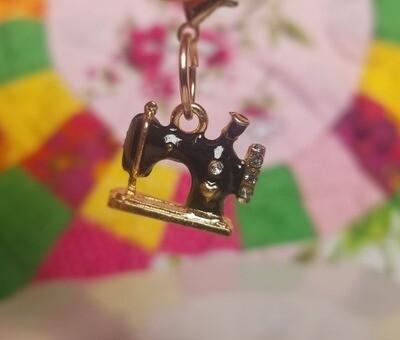 Decorative Metal Black Sewing Machine Charm