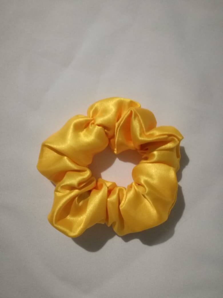 Satin'ista Yellow Satin Scrunchie