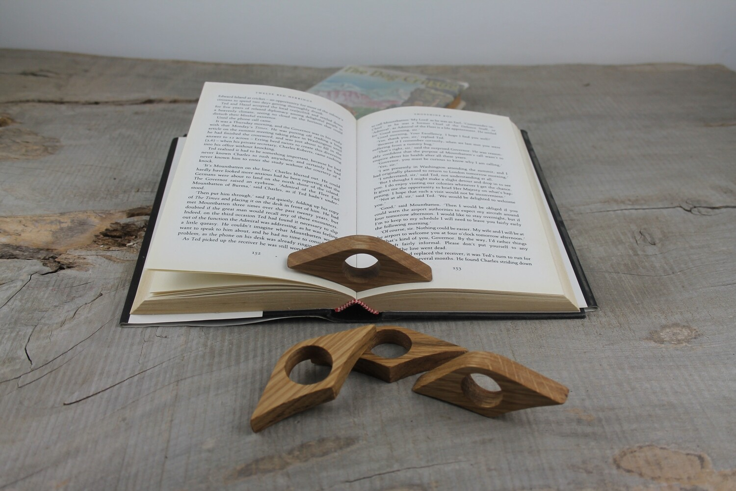 Oak Wood 22mm Thumb Ring Book Page Holder, Book Buddy