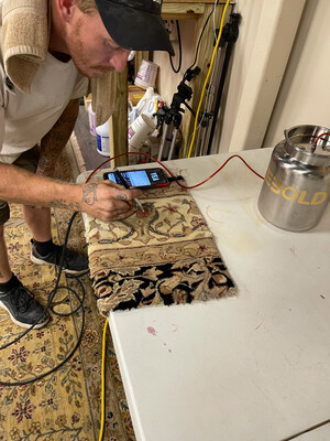 DyeBold Airbrush - Professional Carpet & Rug Airbrush: Holds 4 quarts of dyes - Includes Airbrush, Dye Container, 10 Ft Solution Hose And 10 Ft Air Hose. Adjustable psi Air Compressor Sold Separately
