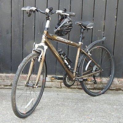 Lot 30,   A gentlemen's Claud Butler bicycle 60/100