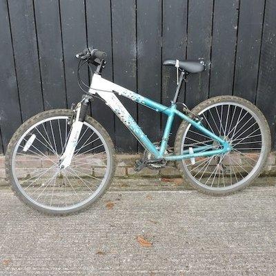 Lot 32,   An Apollo ladies mountain bike   30/40