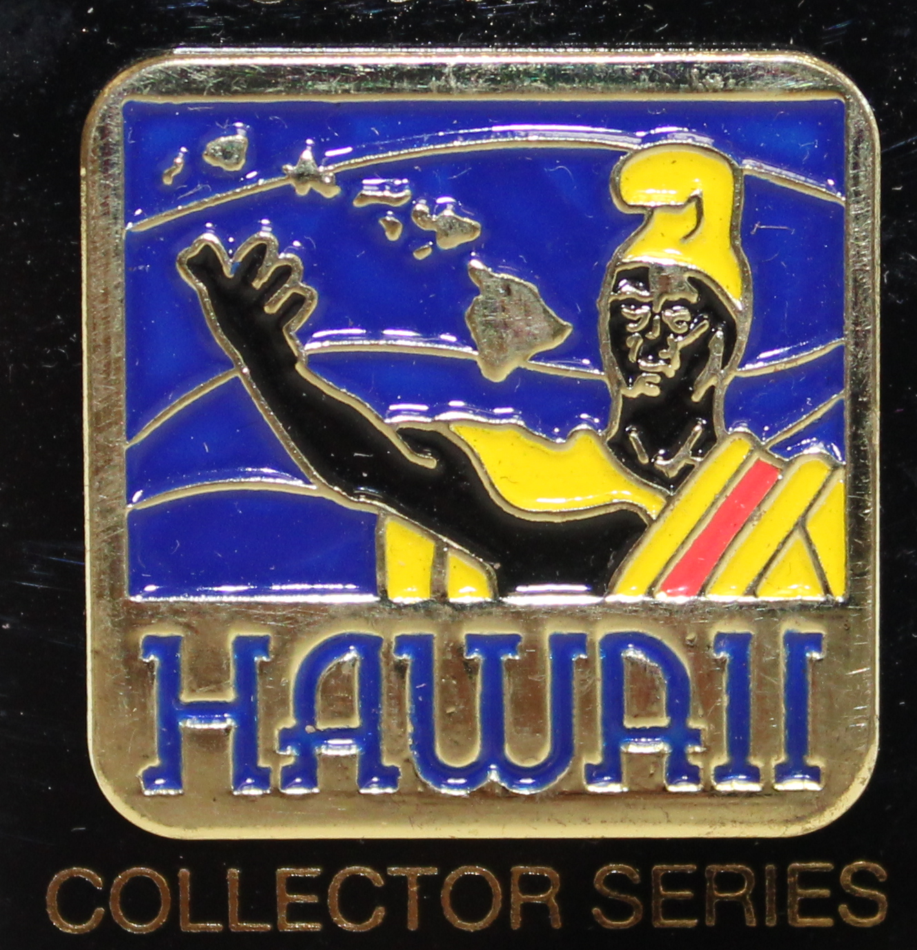 Pin - Hawaii Statue