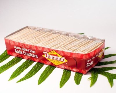 Diamond Bakery Soda Crackers (Lightly Salted Tops) Small 9.5 oz