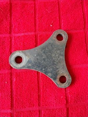 67 68 69 A/C rear lower bracket