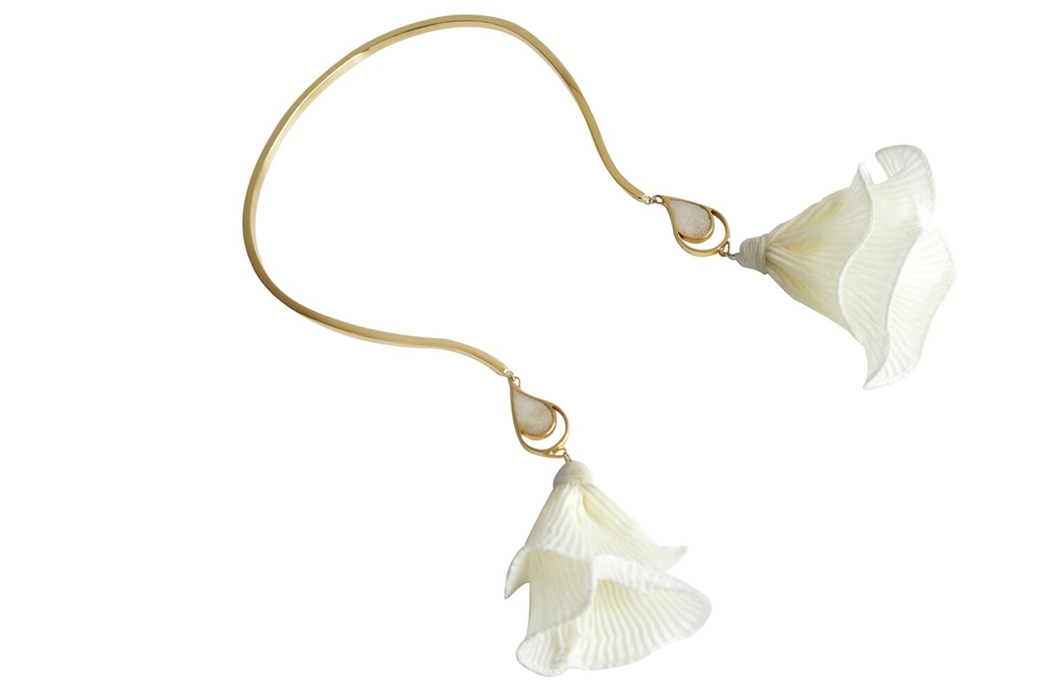 SEA & SAND NECKLACE IVORY FLOWER