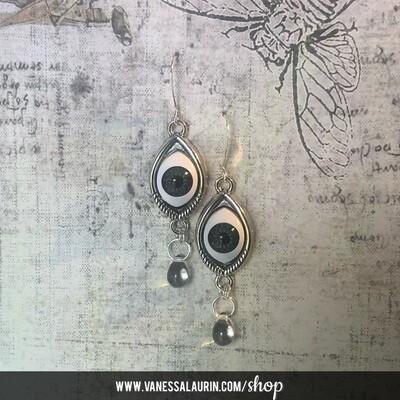Weeping Eye earrings - Dark blue iris (Silver)