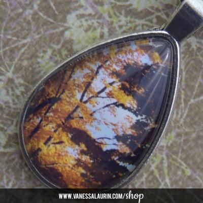 Fall Foliage Collection: Teardrop pendant 8 (Antique silver)