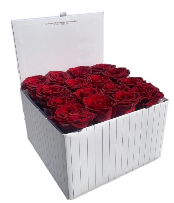 16 Red Roses white box