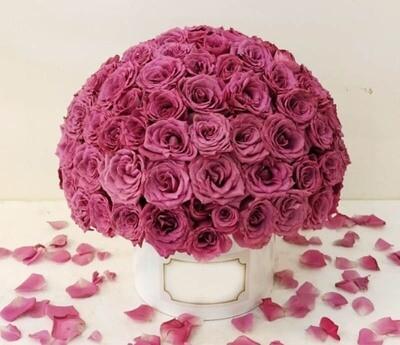 Classy box 200 roses Lebanon