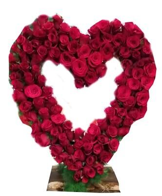 Ultimate Heart 200 roses Lebanon