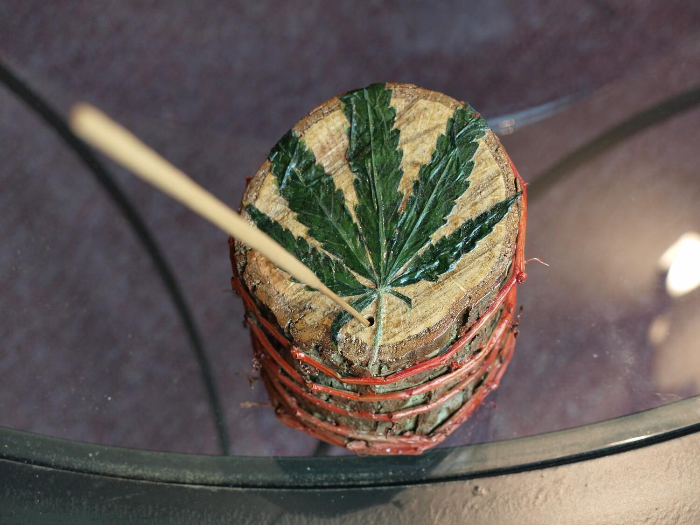 SC Oak and Vine Incense Burner