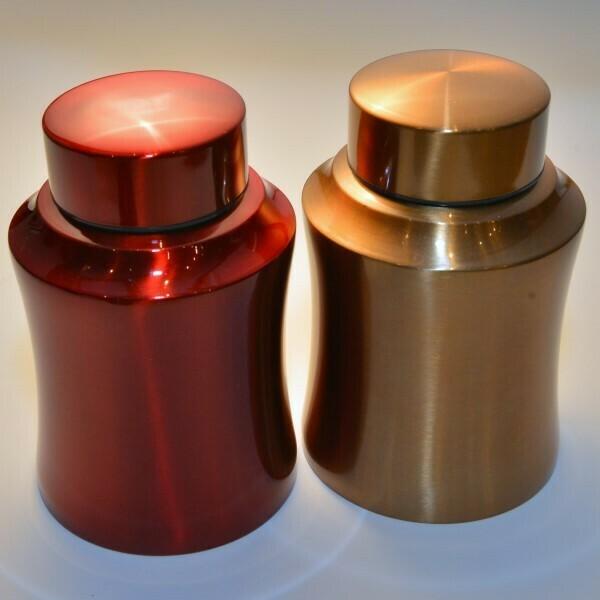 set van twee gekleurde elegante thee/koffie-blikken  TC-19