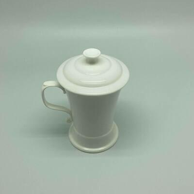 Set van 4 porseleinen mokken met filter en aromadeksel PO-21