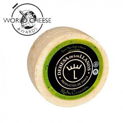 D.O Dehesa de los Llanos Artisan Semi-cured Manchego Cheese (Approx. 3kg)