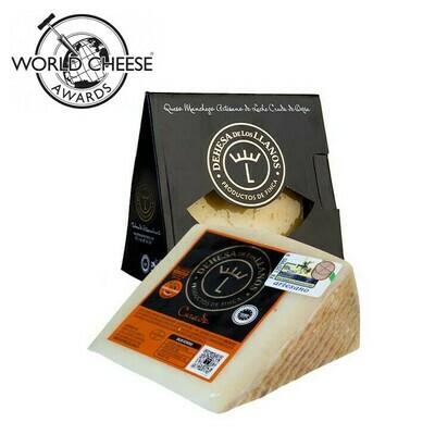 D.O. Dehesa de los Llanos Artisan Cured Manchego Cheese (180-220g)