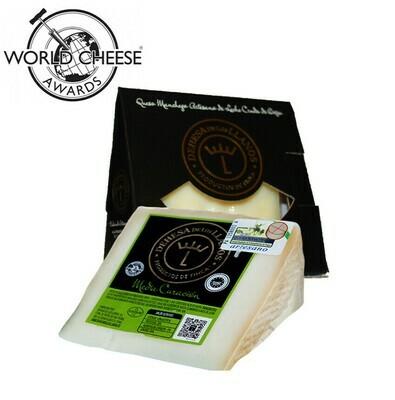 D.O Dehesa de los Llanos Artisan Semi-cured Manchego Cheese (180-220g)
